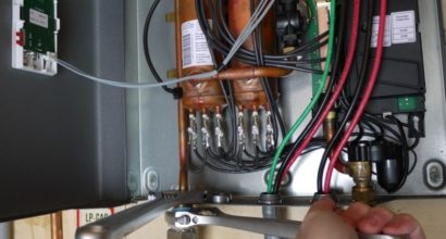 tankless-water-heater-install-864x432